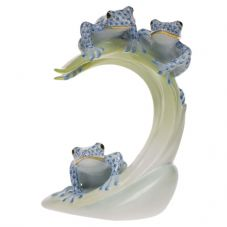 Herend Porcelain Fishnet Figurine of Three Tree Frogs on a Leaf